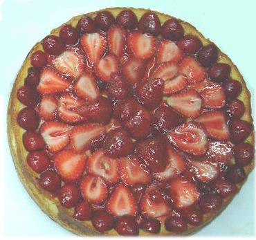Tarta de Queso con Cubierta de Fresas y Cerezas