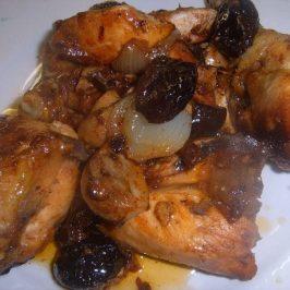 Pollo con Ciruelas Pasas