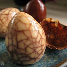 Huevos haminados (huevos cocidos al estilo Hamin)