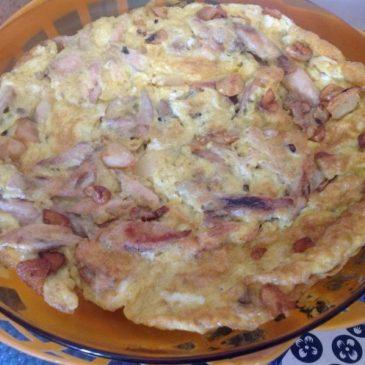 Tortilla de pollo al ajillo