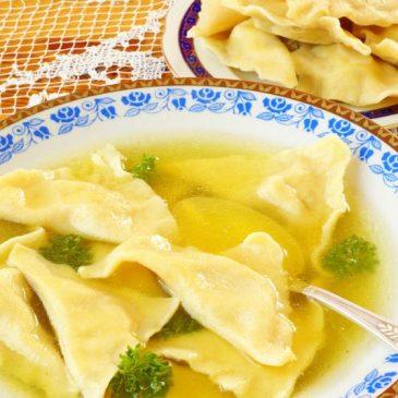 Sopa de Pollo con Kreplaj