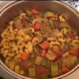 Sopa de verduras y pasta