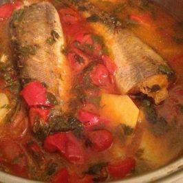 Pescadilla a la salsa roja (especial Shabat)