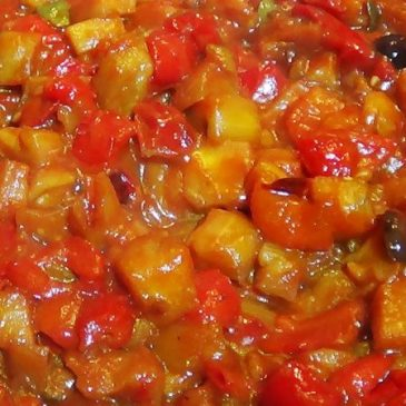 Berenjenas y Hongos en Salsa de Tomate