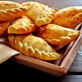 Burekas (Empanadas de Berenjenas y Queso)