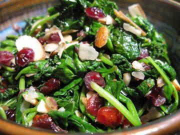 Ensalada de Espinacas con Cranberries y Almendras
